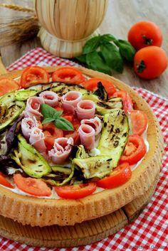 crostata morbida salata con verdure e formaggio