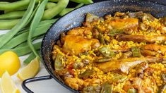 Chicken and vegetable paella recipes special for bars .- Special vegetable and chicken paella recipes for bars – Cash-Ifa Wholesaler and food distributors - Traditional Spanish Dishes, Paella Valenciana, Chicken Paella, Food Distributors, Frozen Green Beans, Spanish Cuisine, Shellfish Recipes, Cooking Recipes, Seafood Recipes
