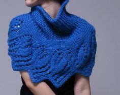 Mão capelet malha, azul poncho, tecelagem deixa o teste padrão
