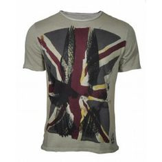 Buy Bolongaro Trevor Union Jack T-Shirt. Free UK Delivery available on all purchases at Dapper Street. Tee Design, Dress Codes, Nice Dresses, Shirt Designs, Menswear, Mens Fashion, My Style, Tees, Casual