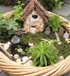 22 miniature garden design ideas to enjoy natural beauty in city homes and small outdoor rooms - Garden Design Kendal