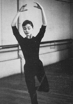 Audrey Hepburn. Lovely.