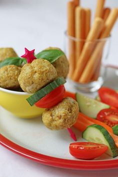 Delicious chicken meatballs made with just 5 simple ingredients and flavoured with basil pesto and parmesan. Perfect for a finger food dinner for kids or even mixed into spaghetti and sauce. #chickenmeatballs #pestomeatballs #kidsfood #fingersfood