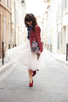 Burgundy popping out! Love the idea of this outfit! I have a new inspiration!
