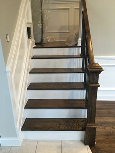 Benjamin Moore (1557) Silver Song with Regal Select White Semi gloss trim