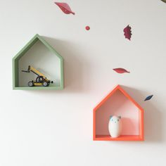 Modern wall shelf - decorative house Treebird  - in 6 different colors.