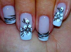 While flower nails with French manicure Great Nails, Fabulous Nails, Gorgeous Nails, Cute Nails, My Nails, Amazing Nails, Beautiful Nail Art, Beautiful Gorgeous, French Nail Art