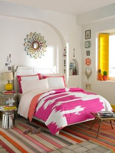 The Lovely Side: Ive Come Over to the Light Side | 10 Bedroom with White Walls, But Not Lacking Color