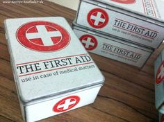 THE FIRST AID  Box  ERSTE HILFE Vorrats Blech Dose RETRO Metall Dose VINTAGE 20