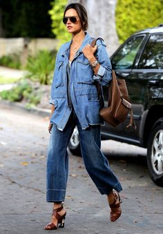 Alessandra Ambrosio look all jeans