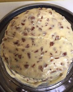 Butter pecan cake Butter Pecan Cake, Coconut Pecan Frosting, Clean Recipes, Cooking Recipes, Clean Foods, Delicious Desserts, Dessert Recipes, Cake Recipes, Preacher Cake