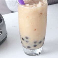 Homemade Bubble Tea is part of Amazing desserts Videos Texture - Stop throwing away your money and make boba at home instead Yummy Drinks, Healthy Drinks, Yummy Food, Delicious Desserts, Boba Drink, Homemade Bubbles, Coffee Recipes, Hot Tea Recipes, Smoothie Recipes