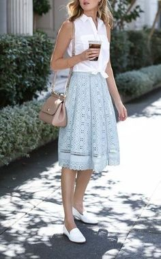 blusa com nó moda estilo looks truque de styling knotted blouse styling trick fashion style outfits - Casual Dresses - Ideas of Casual Dresses Best Casual Dresses, Classy Outfits, Casual Outfits, Classy Casual, Classy Clothes, Office Outfits, Classy Ideas, Elegant Dresses, Midi Skirt Outfit Casual