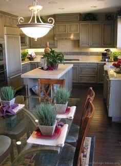 Traditional Gray Kitchen Cabinets #04 (Kitchen-Design-Ideas.org)