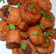 Easy carrots recipe - Roasted Carrots With Scallions: http://www.tastygalaxy.com/cook/carrot-recipes/