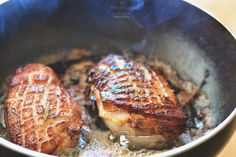 Sfarrrrrrr! Piept de rata | Duck breast Steak, Pork, Lunch, Dinner, Kale Stir Fry, Dining, Pigs, Eat Lunch, Food Dinners