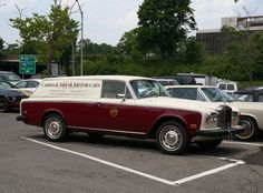 Rolls-Royce Krug delivery van in front of Fauchon Classic European Cars, Classic Cars, Station Wagon Cars, Bentley Rolls Royce, Rolls Royce Silver Shadow, Flower Car, Automobile, Best Muscle Cars, Shooting Brake