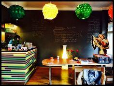 Kaffee, Kuchen und King Kong - Lankwitz - Gerlinde Jänicke ist Morgenmoderatorin bei 94,3 rs2. In ihrer Kolumne auf QIEZ.de verrät sie euch jede Woche exklusiv ihre liebsten Orte, besondere Events und noch jede Menge mehr. Diesmal: das Film-Kultur-Café.