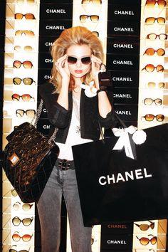 Let's go shop! #sunglasses #oculos #de #sol #chanel #luxo #grife #moda #oticas #wanny #eyewear