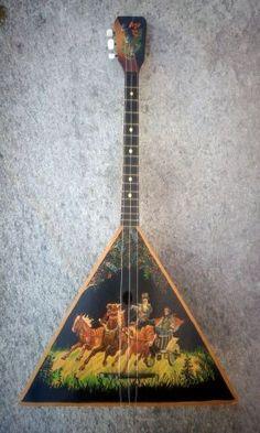 Original russian balalaika from 1982 hand painted www.musicexpress.it