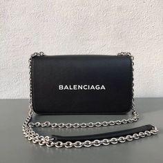 Balenciaga Calfskin On a regular basis Chain Pockets Bag Black Fall Handbags, Cheap Handbags, Handbags On Sale, Fashion Handbags, Fashion Bags, Popular Handbags, Summer Handbags, Handmade Handbags, Wholesale Handbags