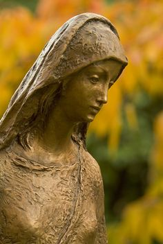 Statue of Mary in the Marian Gardens at the University of Portland (Ore.)