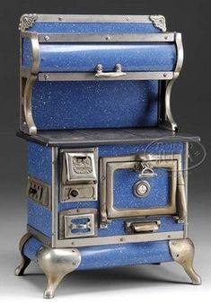 Toy Stove; Karr Range Co, Cast Iron, Blue Enamel, 21 inch.