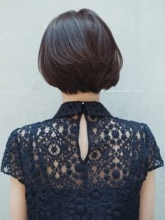 HAIR:クールな印象のアシンメトリーショート<バック> SPUR(シュプール)
