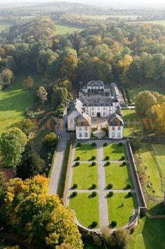 Château de Deulin, à Hotton, Belgium