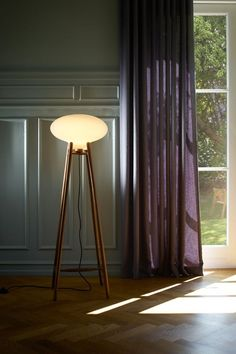 FDB MØBLER U5 HITI FLOOR LAMP There's something so charming about this floor lamp, designed by Australian Philip Bro and Icelander Dögg Guðmundsdóttir. It doesn't pretend to be minimalist, yet it exemplifies Danish lighting design in a way that feels organic. The shape and size almost make it a piece of furniture in its own right, rather than lighting. You do need a bit of space to make this lamp work, but boy is it worth it!