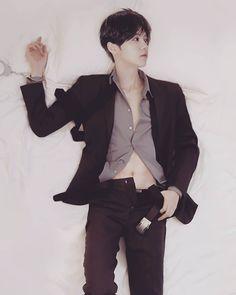 photoshop luhan from cosplay kumaQi photo Chanbaek, Exo Ot12, Extended Play, Baekhyun, Park Chanyeol, Lightstick Exo, Exo Memes, Chinese Boy, Kpop