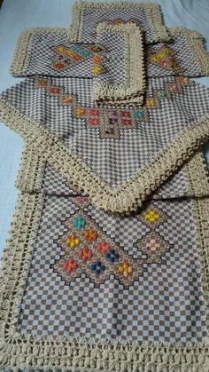 Bordado em tecido xadrez - Toalhas/Jogo (Detalhes sobre o bordado... Visitar)