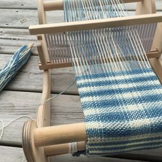 Rigid Heddle Weaving / cricket loom