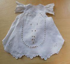 Kleid-weiss-Spitze-Puppenkleid-aus-XL-Puppen-Sammlung-Hobbyaufloesung-9
