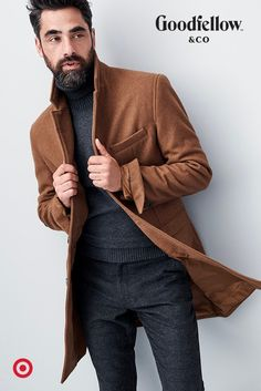 Look sharp everywhere you go this season, from the office holiday party to Christmas dinner. Outfit Jeans, Male Fashion Trends, Mens Fashion, Mantel Outfit, Dinner Outfits, Mens Attire, Gq Style, Dapper Men, Mens Fall