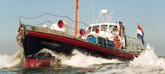 Reddingsboot in Harlingen, Harlingen, Friesland, Nederland. http://www.supertrips.nl/slapen-op-het-water/Reddingsboot_Harlingen