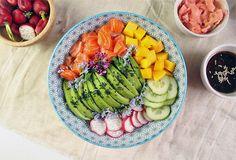 Poke bowl au saumon et sa sauce au sésame | Cosmic Tomatoes