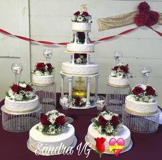 Cupcake Tower Wedding, Wedding Cupcakes, Wedding Cake, Quinceanera Planning, Quinceanera Cakes, Quince Decorations, 2017 Wedding, Sweet 16 Parties, Buttercream Cake
