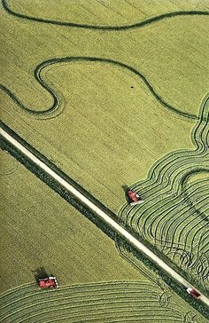 Rice fields on the Gulf Coast in Texas - photo from National Geographic, April 1980 Map Quilt, Drone For Sale, Farm Photo, Aerial Drone, Aerial Photography, Space Photography, Photography Ideas, Birds Eye View, Aerial View