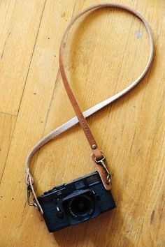 Tap & Dye L E G A C Y leather camera fixed length neck/sling strap