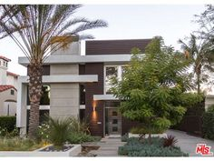 216 South Canon Drive, Beverly Hills, CA 90212