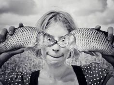 Here are 40 very cool and popular optical illusions. The illusion isn't created by an artist. Perspective Pictures, Forced Perspective, Funny Optical Illusions, Art Optical, Perspective Photography, Perfectly Timed Photos, Surrealism Photography, Photography Portfolio, Nice Photography