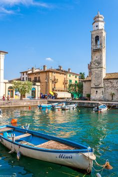 Lazise, I'll always remember this beautiful little place where I tasted the best ever ice cream.