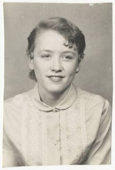 Young Dolly Parton (c. 1960)