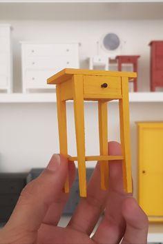 Making IKEA nightstand in miniature Modern Dollhouse Furniture, Fairy Furniture, Barbie Furniture, Miniature Furniture, Ikea Dollhouse, Antique Dollhouse, Dollhouse Miniatures, Filigranes Design, Design Blog