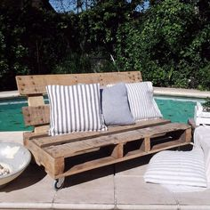 The best part of a DIY wood sofa is that you can customize it according to your taste and theme and color scheme of the room/garden. Pallet Sofa, Wood Sofa, Pallet Furniture, Outdoor Furniture, Wooden Pallet Projects, Pallet Crafts, Wooden Pallets, Pallet House, Pallet Designs