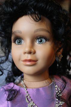 Catherine with olive skin tone & C20 Denver grey eyes.