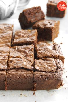 Coffee granules enhance the chocolate flavor in these amazingly fudgy brownies. Add chocolate chips to the batter and you've got some seriously irresistible treats. Brownie Recipes, Cookie Recipes, Snack Recipes, Dessert Recipes, Desserts, Snacks, Best Brownies, Fudgy Brownies, Chocolate Flavors