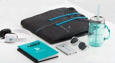 Again, welcome packet for new hires/ swag for prospects - big fish - Ideen finanzieren Company Swag, Company Gifts, Employee Handbook, Swag Ideas, Welcome Packet, Employer Branding, Logo Branding, Savings Planner, Favors