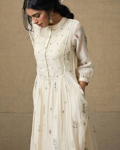 60 ideas for party dress indian fashion styles - Prom Dresses Design Kurta Designs Women, Blouse Designs, Pakistani Outfits, Indian Outfits, Indian Fashion Dresses, Dress Fashion, Party Outfits For Women, Nice Outfits, Kurti Designs Party Wear
